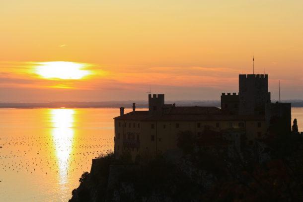 Дуинский замок; FriuliVeneziaGiuliaДа; Замок Дуино; Фриули Венеция Джулия,Friuli Venezia Giulia, Италия