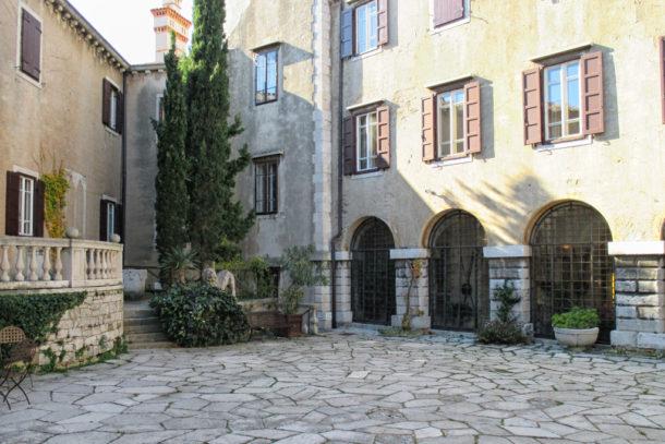 FriuliVeneziaGiuliaДа; Замок Дуино; Фриули Венеция Джулия,Friuli Venezia Giulia, Италия